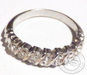 Пръстен дамски - сребрист с оплетка от кристали