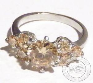 Пръстен дамски - сребрист с жълти фасетирани кристали