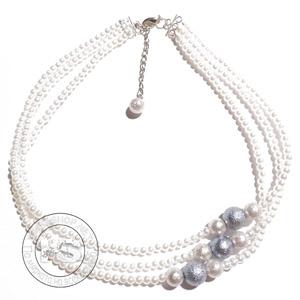 Колие с три реда бели перли