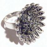 Пръстен дамски - сребрист с метално цвете и кристали - стъкло