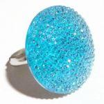 Пръстен дамски - сребрист с голям кръг от ситни кристали